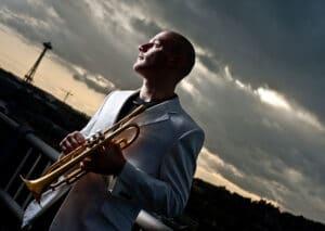 Tendremos una Masterclass de trompeta con el reconocido Adam Rapa.